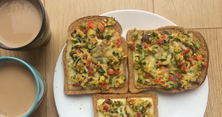 London Akuri – Vegetable Scrambled Eggs Baked on Cheese Toast