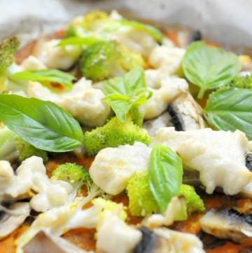 Cauliflower Base mushroom and brocolli Pizza