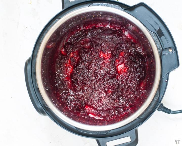 Instant Pot Cranberry Sauce