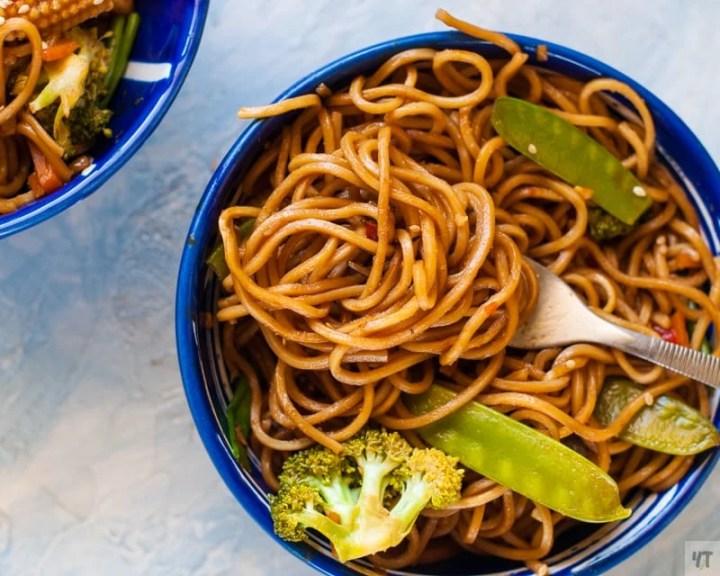 Instant Pot Lo Mein - Asian Style Vegan Instant Pot Noodles in a blue bowl