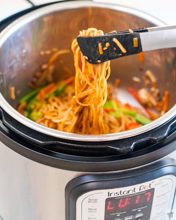 Instant Pot Lo Mein - Asian Style Vegan Noodles in the instant pot.