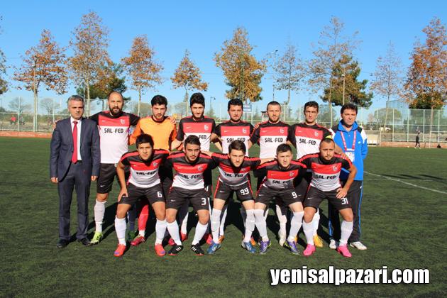 Şalpazarıspor onbiri Akçabat Sebatspor maçı öncesi teknik sorumlu Sedat Özdemir ve yönetici Sezgin Özdin ile