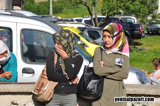Hüseyin Karadere'nin üniversiteli arkadaşları cenazede gözyaşlarını tutamadılar