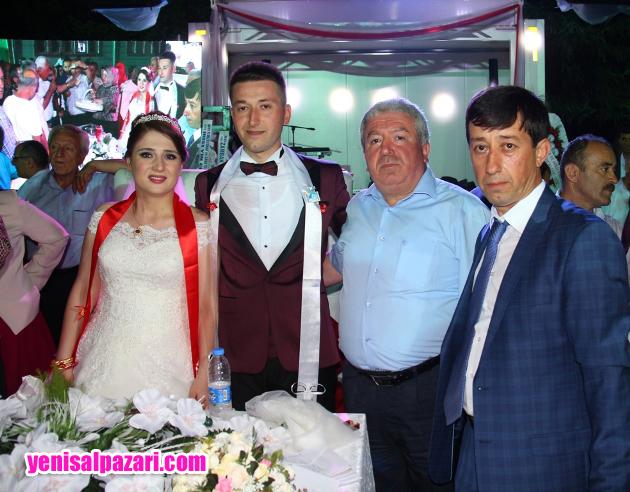 Düğüne AK Parti Şalpazarı İlçe Başkanı Murat Topkara da katıldı
