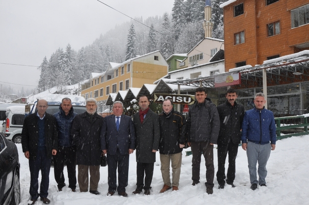 Toplantının ardından AK Parti İlçe Başkanı Murat Topkara, Tarım Kredi Kopperatifi Trabzon Bölge Müdürü Engin Çubukçu, İl Yönetim Kurulu Üyesi Mehmet Alp ve bazı partilileriyle birlikte Acısu'ya gitti