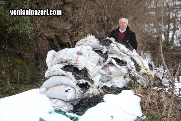 Yahya Özcan, Kış öncesi Kaymakamlık SYDV'nın verdiği kömürü yakıp tüketemeden dünyadan göçüp gitti