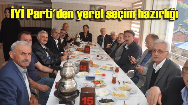 Şalpazarı'nda İYİ Partililer sabah kahvaltısında bir araya geldi