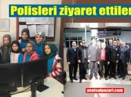 Öğrenciler ve öğretmenler polislerin bayramlarını kutladı