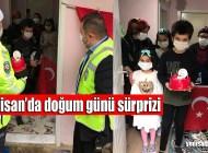 Şalpazarı'nda 23 Nisan doğumlu Güngör Yamaç'a pasta sürprizi