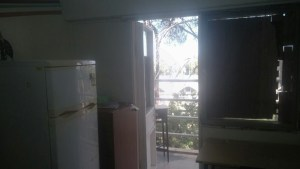 מעונות סטודנטים - החלון והדלת למרפסת