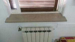 מעונות סטודנטים - התקנת מדף על אדן החלון