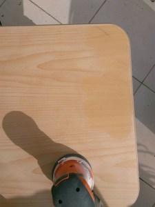 יש מיש שולחן הקפה הפלטה משוייפת כמעט כולה
