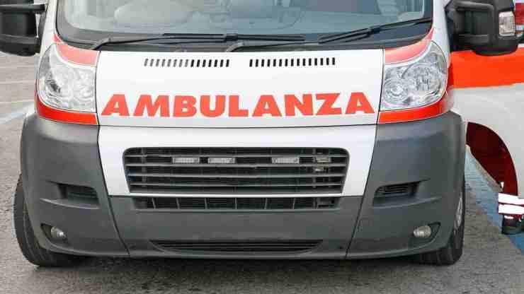 Bologna incidente ambulanza morto paziente
