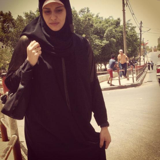 Woman in Gaza photo by Mateo Hoke