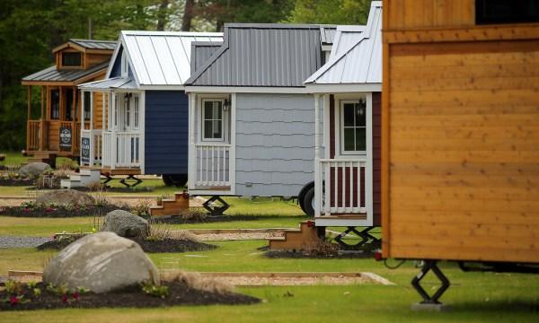 tuxburytinyhouses.jpg