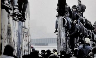 Fall of Berlin Wall photo by Roberto Moldeno