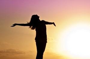 Ahimsa non violence yoga coucher du soleil