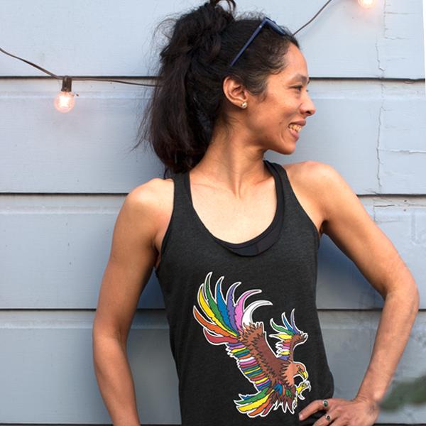 T-shirt yoga Aigle multicolore avec Ailes dans le dos