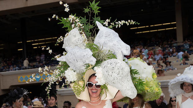 Del Mar Hat Contest