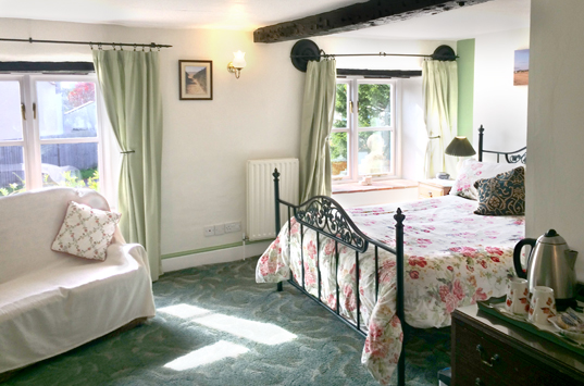 B&B-Berrow-Family-Double-Ensuite-Room