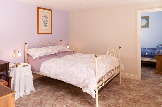 B&B-Berrow-Family-Ensuite-Room