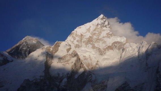 Nuptse-Nepal-Yexplore-Young-2009