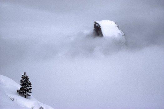Yosemite-HalfDome-YExplore-Flint
