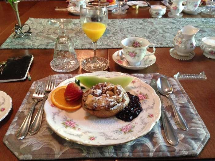 1 breakfast Albion Manor