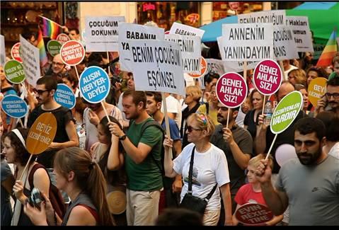 Koskoca Siyasete Sığdırılamayan 'Benim Çocuğum' – Mehmet Tarhan