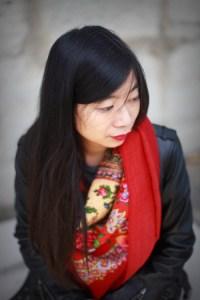 foulard rouge et perfecto noir 3