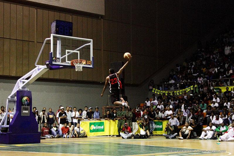 0148_dunk_10.10.31.20.23.11 Concours de dunk Allstar Gasy