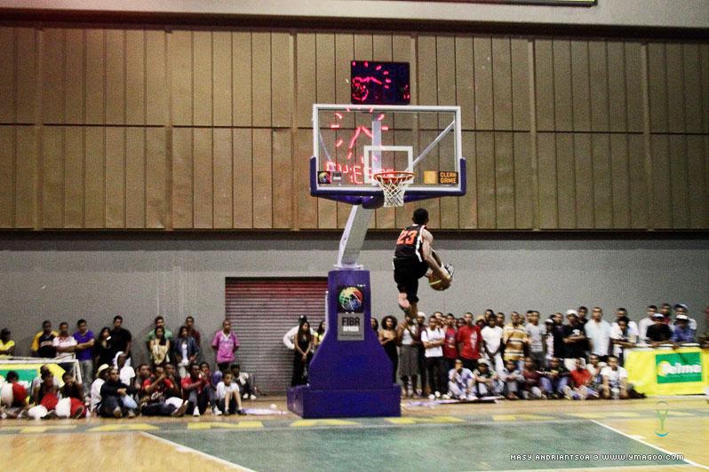 0174_dunk_10.10.31.20.28.54 Concours de dunk Allstar Gasy