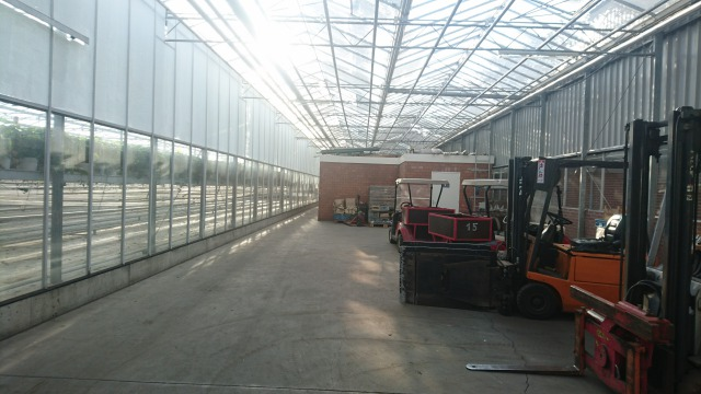 s_農機具や資材置場2.JPG