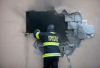 תחת אש - בשער הנגב (צילום: אוהד צויגנברג)