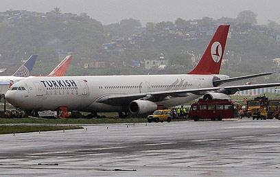 שדה התעופה באיסטנבול. מומלץ לבטל (צילום: AFP)