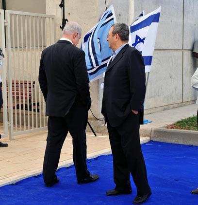 ראש הממשלה מפנה את הגב לשר הביטחון? (ארכיון) (צילום: אריאל חרמוני, משרד הביטחון)