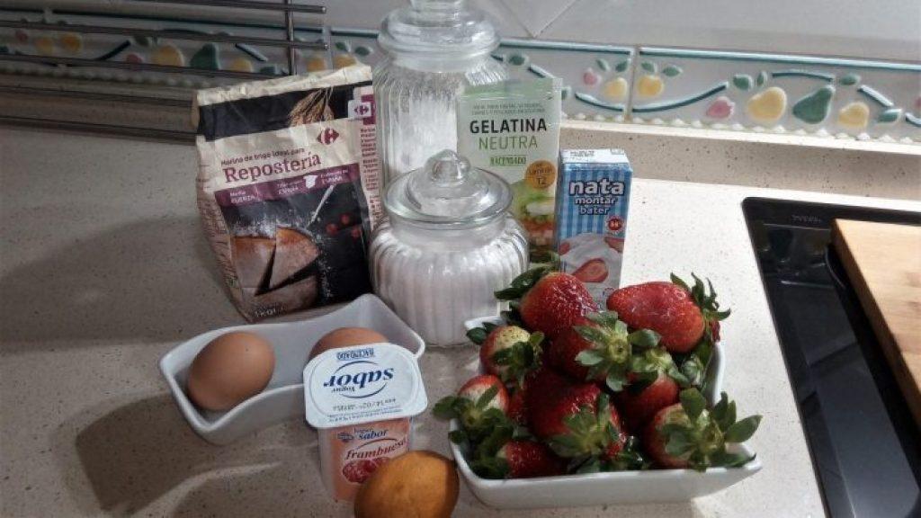 Ingredientes para hacer la tarta de fresa especial San Valentín