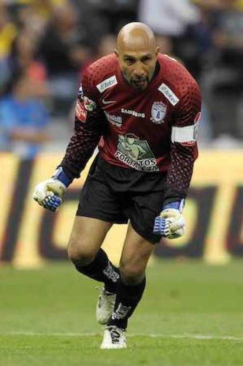 El portero del Pachuca acepta que a sus 41 años le gustaría ser tomado en cuenta por el técnico Miguel Herrera para ser parte de la Copa del Mundo Brasil 2014.