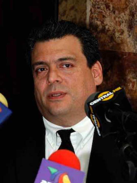 A Mauricio Sulaimán le emociona mucho que en el día en el cual México festeja a la familia, se le hiciera un homenaje a su recién fallecido padre, José Sulaimán Chagnón.