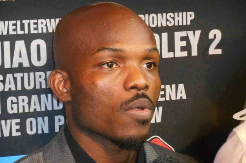 """Bradley concederá revancha al """"Pacman"""", por el campeonato mundial de peso welter después del controversial fallo del 12 de junio del 2012 en el mismo escenario y que obligó al combate de desquite."""