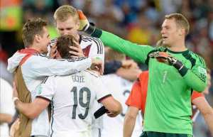 Manuel Neuer fue elegido como el mejor portero. EFE