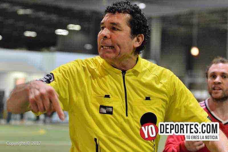 El árbitro Jorge Ruiz en el juego San San-Tucuaro de la Champions en la Liga Latinoamericana.
