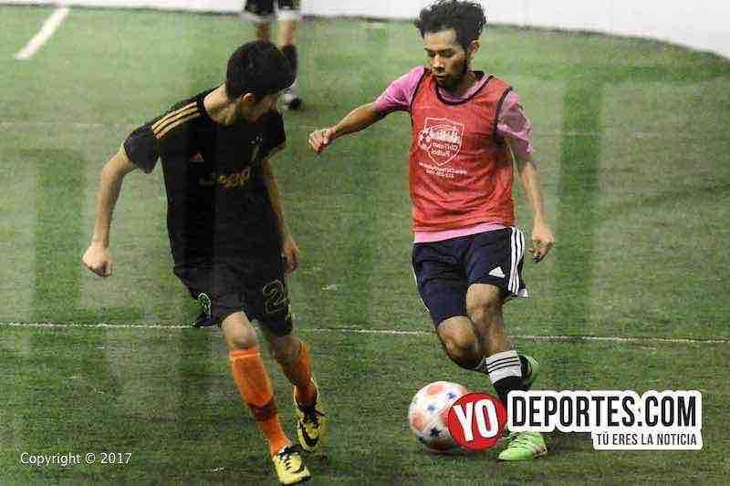 Final de futbol mixto COED entre Chavita Kutz vs. Jones de Chitown Futbol de los Jueves