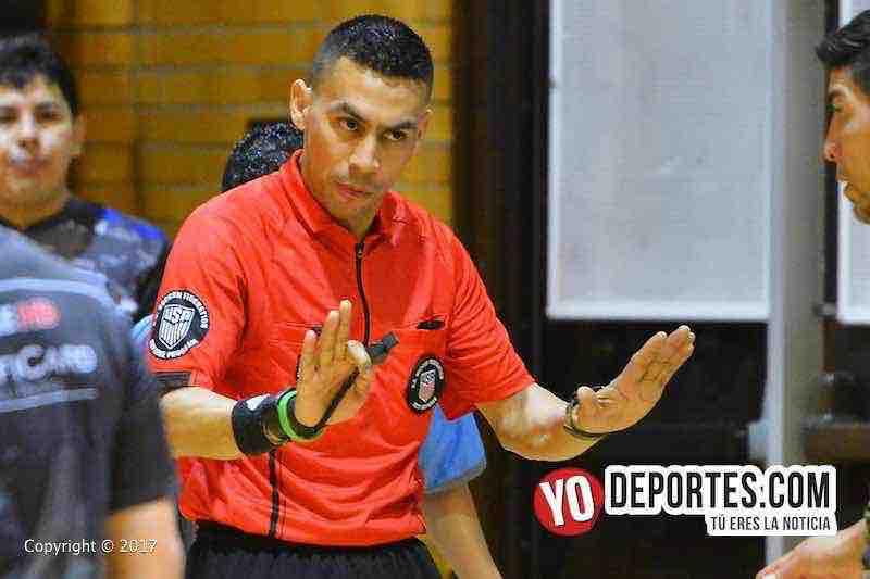 Árbitro Eswin Hernandez obtiene gafete de la US Soccer Federation