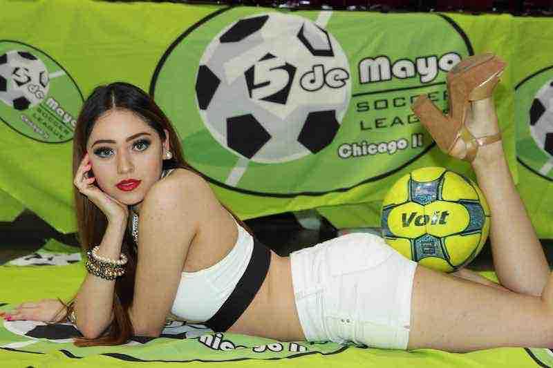 Leslie Cruz modelo de la liga Mayor en 5 de Mayo Soccer League.