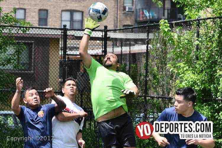 Champions League -Illinois International Soccer-portero