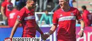 Nemanja Nikolic y Bastian Schweinsteiger al Juego de Estrellas MLS
