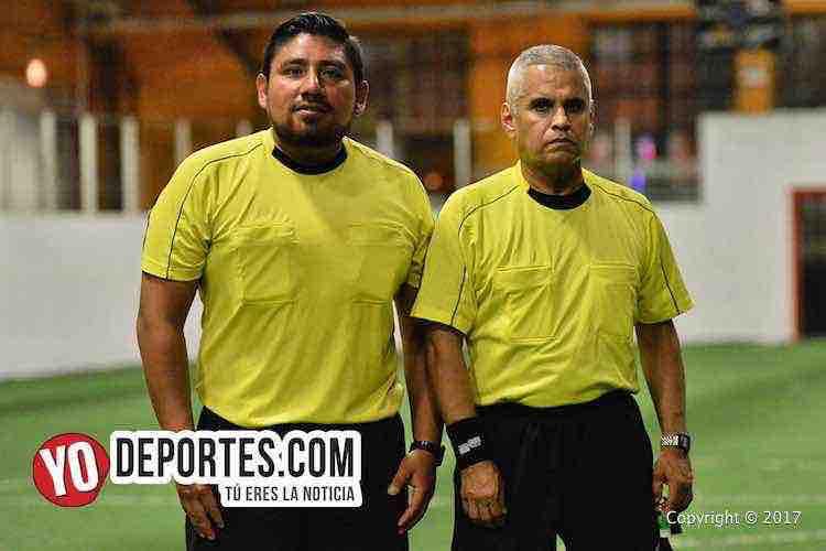 Arbitro Gio Gonzalez-Pablo-Marban-Niupi FC-Gladiadores-Chitown Futbol