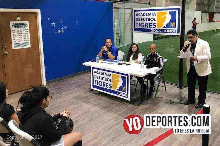 Academia Oficial Club Tigres de Monterrey Chicago-conferencia de prensa