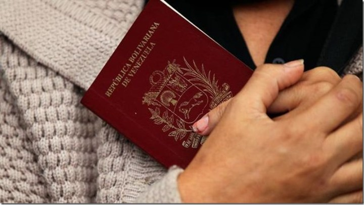 pasaporte-venezolano-efe